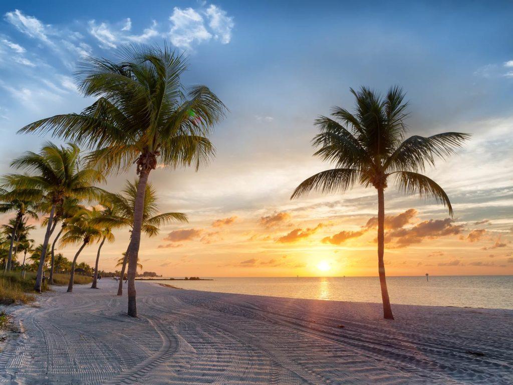 Sunrise on Smathers Beach in Key West