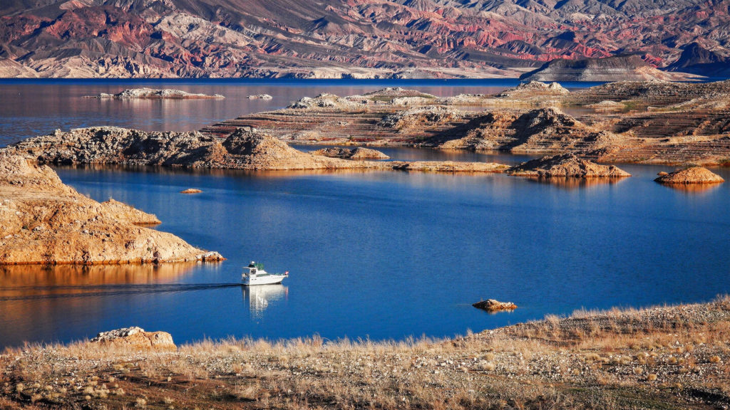 An aerial view of a PowerboatCruising On Lake Mead, one of the best Memorial Day Fishing destinations in the US