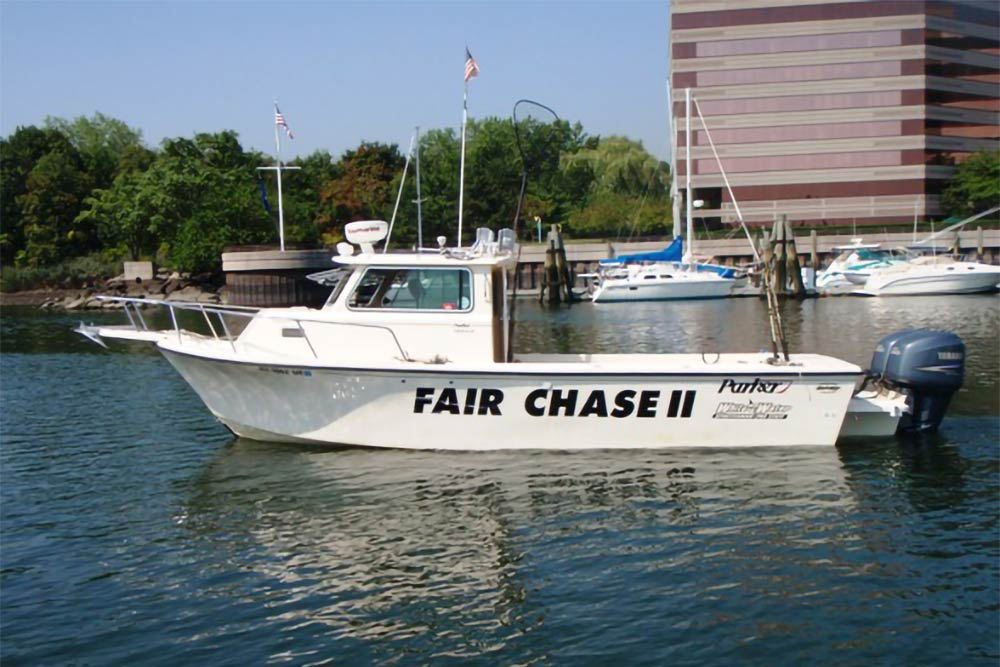 A fishing charter in Montauk leaving the marina