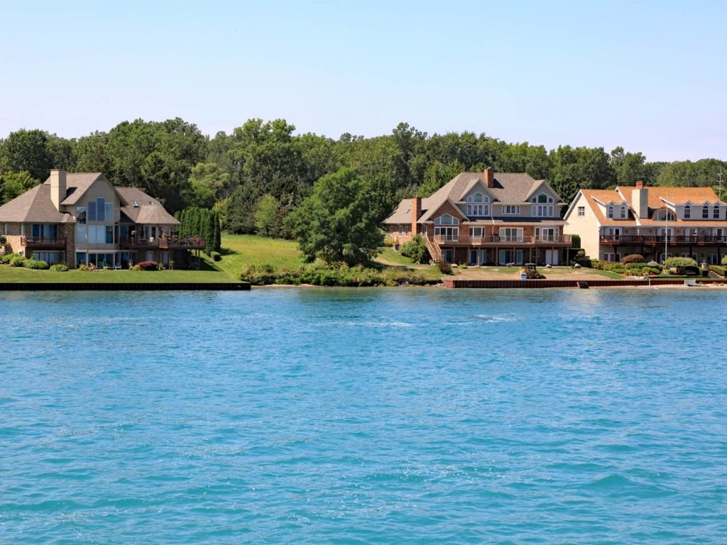 A view of waterfront homes on Lake St. Clair