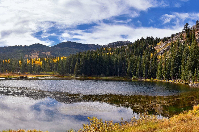 Twin Lakes Reservoir, Utah in Fall