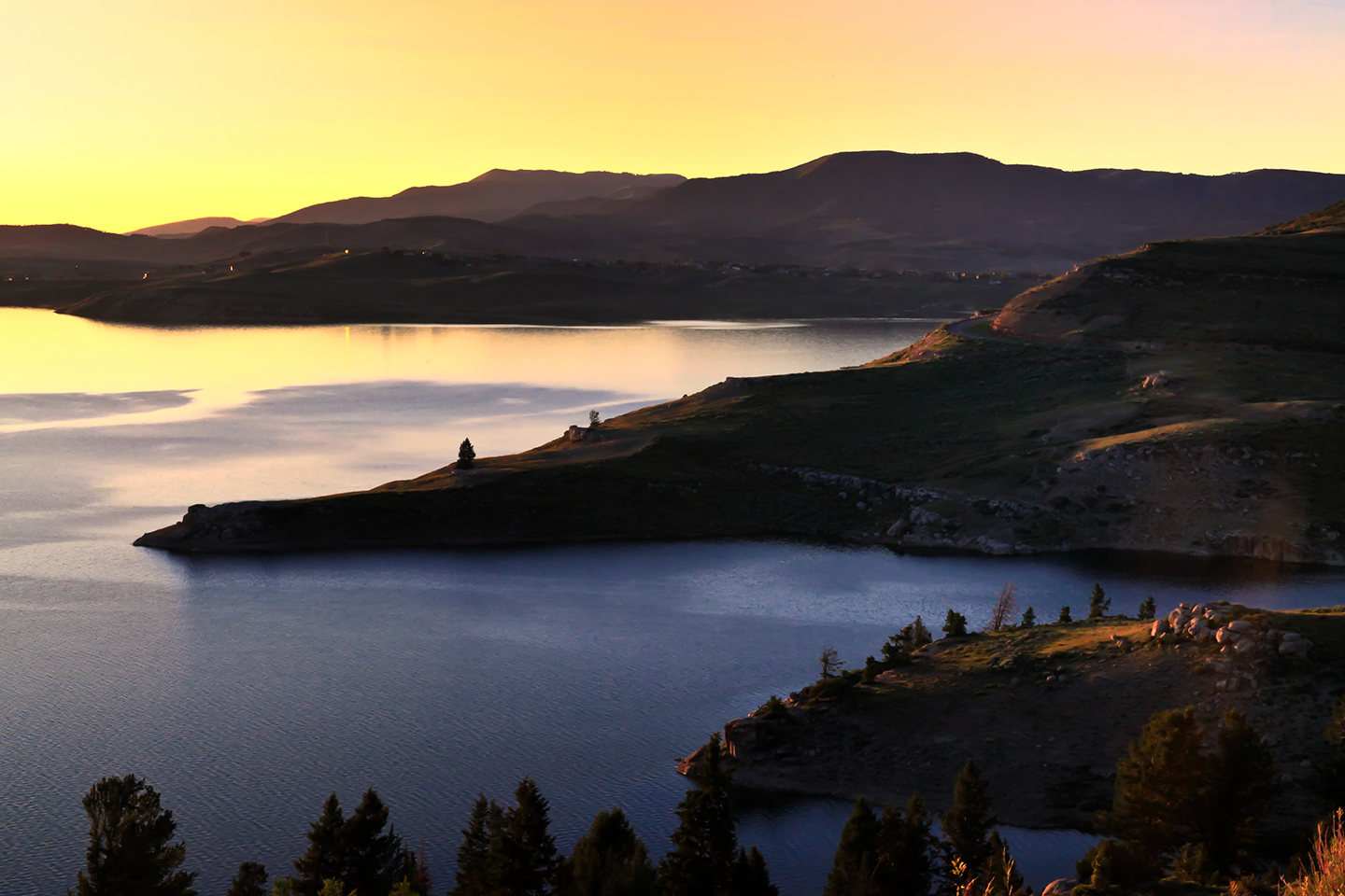 Sunrise at Strawberry Lake, one of the best places to go fishing near Salt Lake City