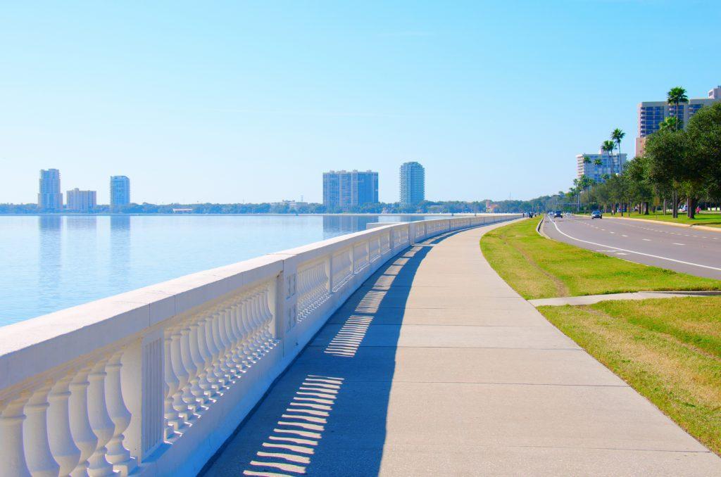 A picture of Bayshore Blvd, longest riverwalk in Tampa, Florida