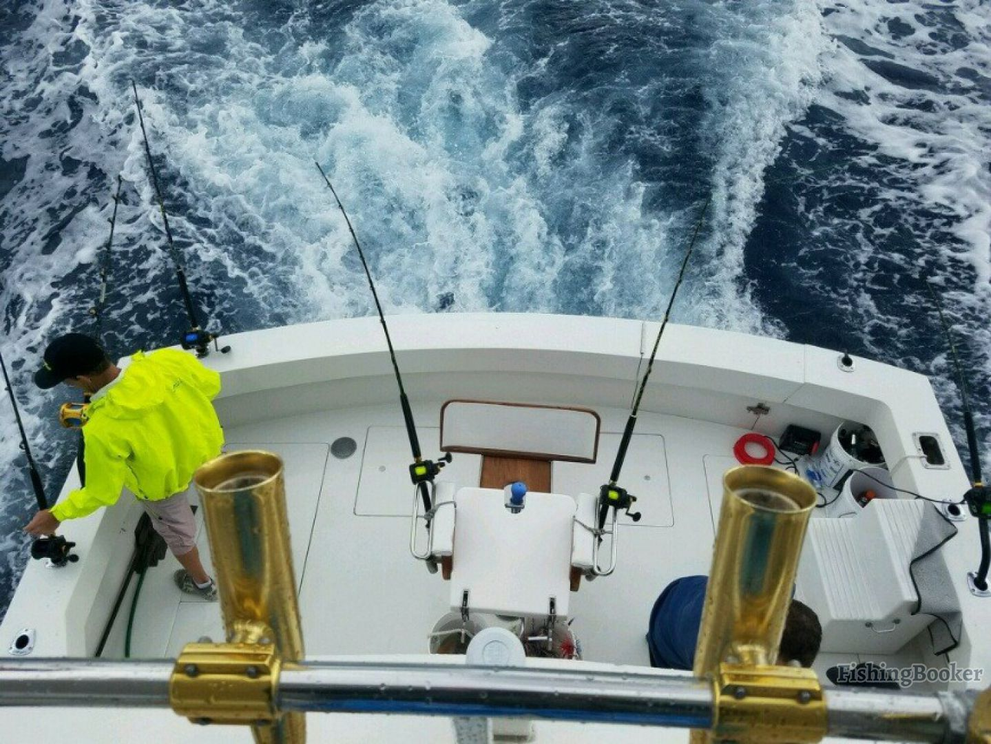 How to choose a fishing charter: fishing gear on a charter